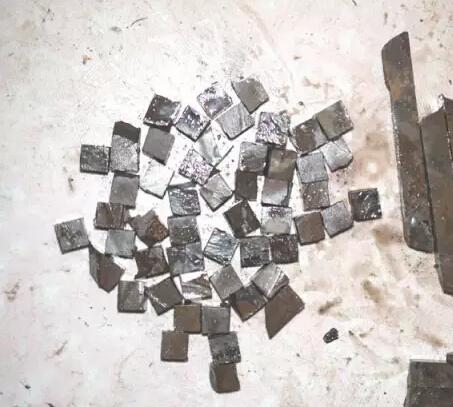 【石隕石的特征 石陨石串珠价格及真假鉴别方法】