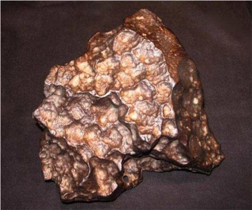 无磁性石陨石图片 无磁性陨石图片鉴赏