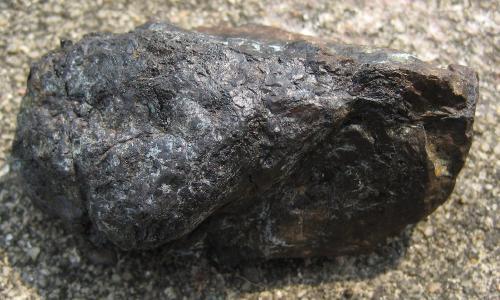 石陨石内部是什么样的 什么样的才能算是石陨石 石陨石的标准