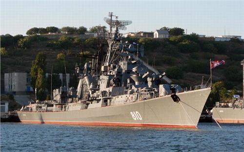 日本军舰炮击中国渔船 俄罗斯向中国渔船开火:俄军舰炮击中国渔船是与非