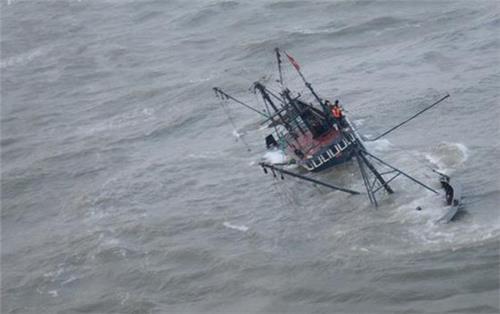 日本军舰被中国击沉 中国渔船钓鱼岛沉没是谁所为?中国渔船是被日本军舰击沉的么?