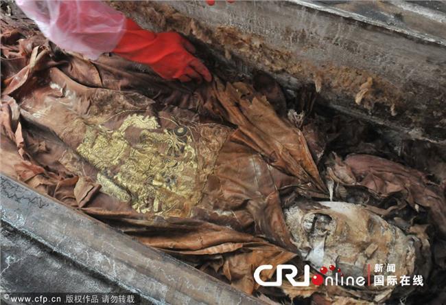 诸葛亮墓出土尸体图片 乾隆墓被盗尸体照片 关羽墓出土尸体图片