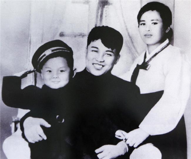 年广久现任妻子图片 金正男现任妻子照片 金正男母亲的照片