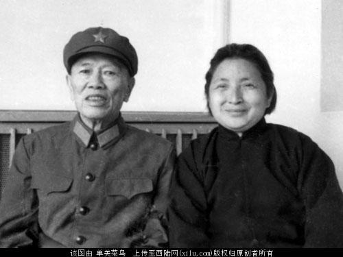 邓华和黄永胜 邓华与黄永胜的矛盾 邓华为什么取代黄永胜成为副司令?